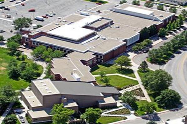 bsu-student-union-building-roof-system-ballasted-carlisle-tpoD63F26B9-C87D-D585-2306-5570DCD14DD3.jpg